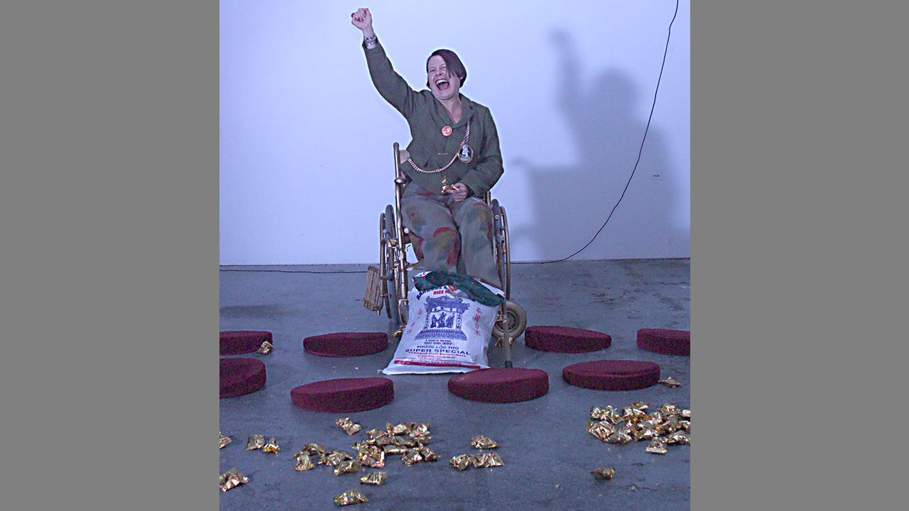 Performance pure suit of happiness No.1, 2003